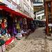 Namche Bazar - der Name ist Programm: hier kann man alles kaufen, was man zu Hause vergessen hat ...