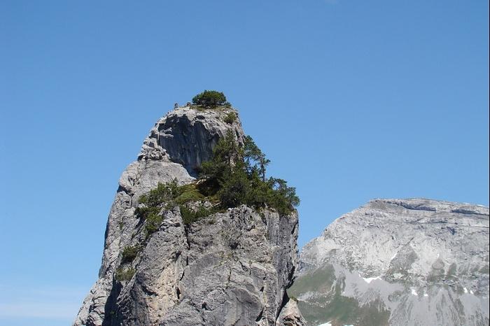 Klettersteig Bälmeten : Ein weiterer pfaffenturm im hintergrund der bälmeter [hikr.org]