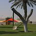 Tag 4 (27.12.) - الخور (Al Khawr):<br /><br />Kunst in einem Park in Al Khawr. Solche kreative Ideen gefallen mir :-)