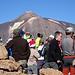 Nach nicht ganz 2h komme ich auf dem Gipfel der Guajara (2718m) an, wo schon kräftig der Gipfelsieg gefeiert wird.