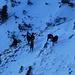 das kleine Gamsrudel ist bei der Überschreitung zum Wildenkarjoch leider geflüchtet, die Schneetiefe in diesem Bereich ist jedoch eher bescheiden