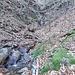 Discesa via Alpe Faiet, girando una serie di vallette e rigagnoli (attenzione con ghiaccio, versante N, sempre in ombra).<br />
