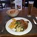 <b>Pranzetto a base di:<br />Collo di maiale con salsa di senape<br />Patate e verdura<br />Erdinger Alkoholfrei.</b>