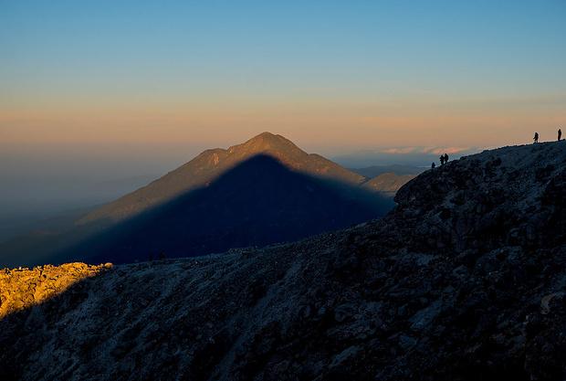 Der Schatten passt auf den Berg - dazu gibt es eine schöne Legende (siehe Text)