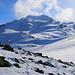 Auf etwa 2540m erreichte ich unterhalb des Piz Dora Ostgrates flacheres Gelände. Nun konnte erstmals während meines Aufstiegs den Piz Turettas (2963m) sehen.