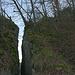 Der Felsspalt der Schauenburger Flue unterhalb vom Gallorömischen Tempel.