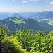 Ausblick vom Feuerstädter Kopf auf Hochrieskopf und Renknie. Der Hochrieskopf ist der einzige Gipfel weit und breit, der mir noch fehlt ;-)