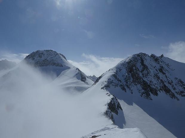 Auf dem Gipfel vom Rottällihorn, der Himmel ist wieder blau.