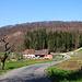 Hinter dem Hof Ränggersmatt (511m) wo ich mein Fahrrad deponierte ist auch schon der langgezogene Rücken vom Gstüd (609m) zu sehen.