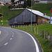 Beim Weiler Hohlenweg (1131m) erreichte ich schliesslich Beatenberg. Dan dem Elektrovelo mit nur Schweisstropfen :-)