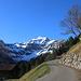 Auf 1320m gönnte ich mir eine kleine Rast bei herrlichem Panorama zum Schwalmere Nordgipfel (2725m).