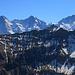 Aussicht vom Morgenberghorn (2248,8m) auf die wohl drei berühmtesten Berge die zu 100% auf Schweizer Boden stehen: Eiger (3970m), Mönch (4107m) und Jungfrau (4158,2m).