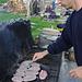 Rinaldo cura le salamelle ... con passione!!