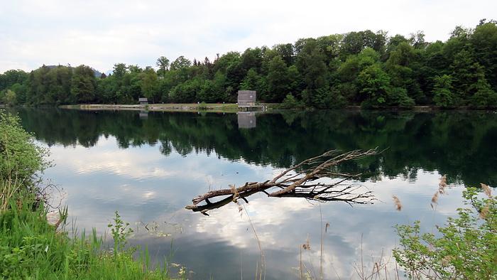 Ein Bild, das Wasser, draußen, Fluss, See enthält.  Automatisch generierte Beschreibung
