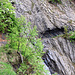 Passage du Tsené de l'Ecarré, creusé dans la roche avec les moyens de l'époque.
