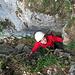 Wir suchen uns einen Kamin zum Roggenflue Ostgipfel (ca. 5 Höhenmeter 4a).