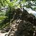 einen ersten Felsturm ließen wir links liegen, da er bereits überfüllt war