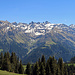 ab ca. 2200 Meter muss immer noch mit Schneefelder gerechnet werden