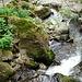 so ein kleiner Bach prodiziert einen so schönen Wasserfall