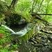 sorgente a pochi passi da Monti di Germanello, vasca monolitica