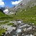 Une vallée typique que l'on s'attend à trouver à plus de 2000m