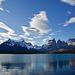 Auf der Fahrt von der Las Torres Ranger Station zur Lago Grey Ranger Station machen wir eine kurze Pause beim Lago Pehoe und beobachten die Los Cuernos.