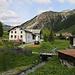 Der Spätfrühling hat Einzug gehalten im Val Müstair, doch in grösseren Höhen sollte es besonders nordseitig noch recht winterlich sein. Gestartet zu meiner Tour war ich in Tschierv (1660m).