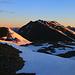 Auch Piz Chazforà (2783m) und Piz Dora (2951m) wurden nach halb sechs Uhr  morgens von der aufgehenden Sonne beschienen.
