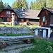 Die Kandelblickhütte, früher eine Unterkunft für die Gewerkschaft. Damals noch mitten im Wald gelegen. Wie die Hütte zu diesem Namen kam ist mir schleierhaft, da man selbst bei Abholzung des ganzen Waldes kaum zum Kandel sehen könnte.