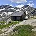Baita del dòos trùnch 2095 mt. Sul sentiero ufficiale Bocchetta di Stavello  - Alpe Stavello.