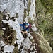 Gesicherter Aufstieg zum Risten, trotz Drahtseil muss bzw. darf am Fels angepackt werden.