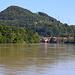 Weiter ging es, zunächst dem Rheinentlang über Mumpf (286m) nach Stein.<br /><br />Der Hügel ist die Mumpferflue (510,7m) die ich über die Ostertage besucht hatte: [https://www.hikr.org/tour/post152248.html]