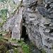 Um einen Felsvorsprung herum