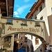 Das historische Auracher Löchl wartet auch mit einem Brückenrestaurant auf