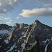 2. Tag: der Fil del Martèl in der Morgensonne vom Weg zur Alp di Agnon: von rechts Bocchetta di Agnon, Piz Martèl, Pizzo Caurga, Settimo Nano und Pizzo Campanile. Links Sasso Bodengo und Fil d'Uria.