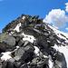 Rückblick über die wirklich grossen Felsbrocken - in dessen Abstieg - zum Risihorn hinauf.