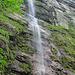 Ein erster Wasserfall beim Bärentritt.