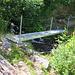 Der Weg ab Binn über Alpweiden und durch Wald in Lengtal überm Talgrund war abwechslungreich. Er ist dem Strässchen nach Heiligkreuz endeutig vorzuziehn.<br /><br />Foto von der neuen Brücke oberhalb der Schapulmatta (1469m).