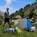Obere Stafel (2150m): Der perfekt Zeltplatz!<br /><br />Es war noch mitten am Nachmittag, so konnte ich hier oben gemütlich die Ruhe vor der coronahysterischen Talbevölkerung geniessen.