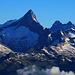 Scherbadung / Pizzo Cervandone (3210,5m):<br /><br />Ein unglaublicher Blick im Zoom vom Gipfel hatte ich zum Finsteraarhorn (4273,9m) mit dem Schreck- (4078m) und Lauteraarhorn (4042m) in Hintergrund.