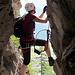 """Hinter dem Turm muss man sich durch eine Höhle """"zwängen"""" ;-)"""