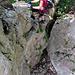 ...der Klettersteig trumpft zum Schluss noch mit einem Spaltensprung auf, welchen man ca. 5 Meter über Boden vollzieht.