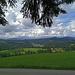 Röthenbach im Emmental liegt am Südrand des Churzenberg-Gebiets und ist eine der waldreichsten Gemeinden der Schweiz. Vom aussichtsreichen Südhang des Chapf ist das gut zu sehen. (21.06.2020)