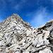 <b>La sella corrispondente allo Skidepot (2985 m).</b>