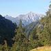 Salendo verso il Rifugio Grassi sguardo sulla bella e selvaggia Parete Fasana...