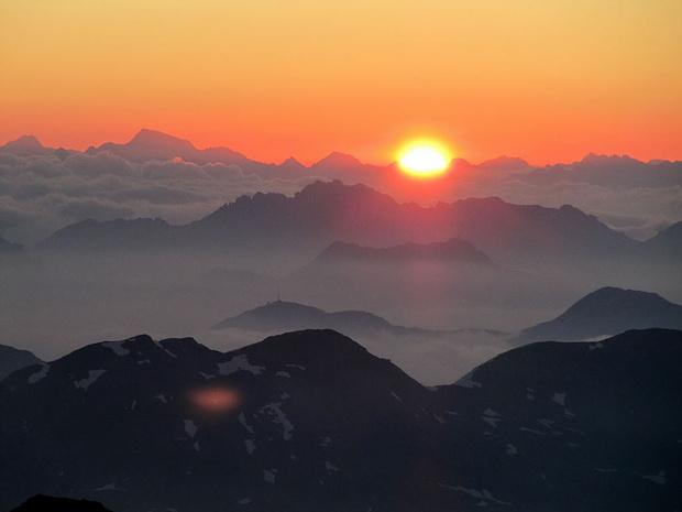 Sonnenaufgang in der Fuorcla Prievlusa