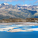 Blick über den Gletschersee ins Berner Oberland.