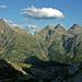 Von links Pizzo di Scinghign (2801m), Bocchetta della Campala (2323m), Pizzo Campala (2644.7m), Madas (2739m), ganz rechts Corona di Redorta (2804m)