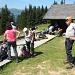 beim Warten auf das Bergbähnli nach Nid d'Aigle