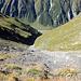 Au sommet du Holöüwibiel (2513m).<br /><br />Vue plongeante sur le vallon du Holöüwibach.